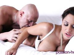 Красивая фантазия секса с молодым парнем после прогулки