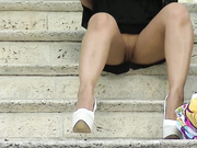Проститутку вышедшую от клиента сняли на видео