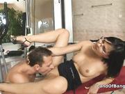 Горячее порево с озабоченной секретаршей в спортзале