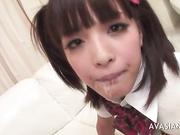 Секси японочка сосет взрослый член и разрабатывает попку