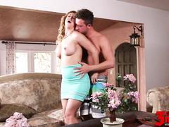 Любовник с восторгом оттрахал зрелую домохозяйку