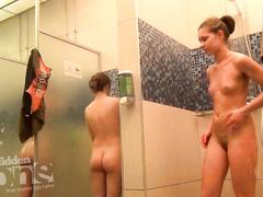 После бассейна женщины обязаны принять душ и стать героями эротического видео