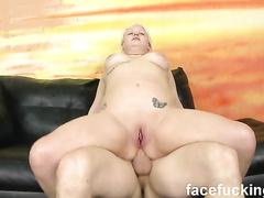 Секс с грудастой блондинкой на порно кастинге