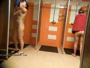 Видео из женской душевой на скрытую камеру